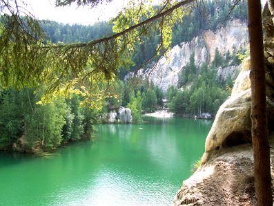 Kolorowe Jeziorka w Rudawach Janowickich to miejsce magiczne i wyjątkowo ...Błękitne jeziorko.
