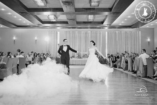Simona & Bogdan - Wedding Dance by www.FirstDanceStudio.ro