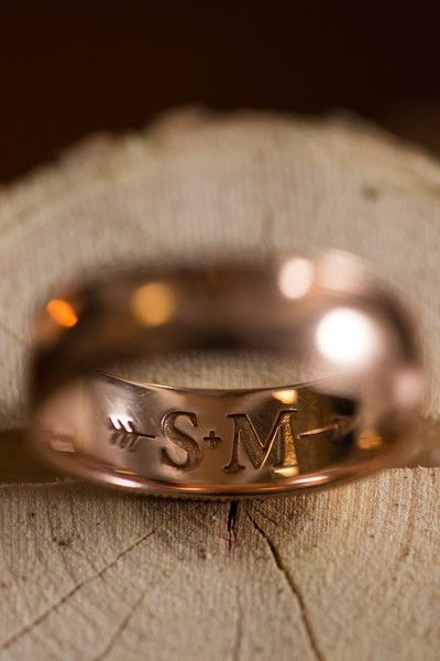 love the initials arrow inscribed on this wedding band aliza rae photography wedding ring engraving ideasengraved - Wedding Ring Engraving Ideas