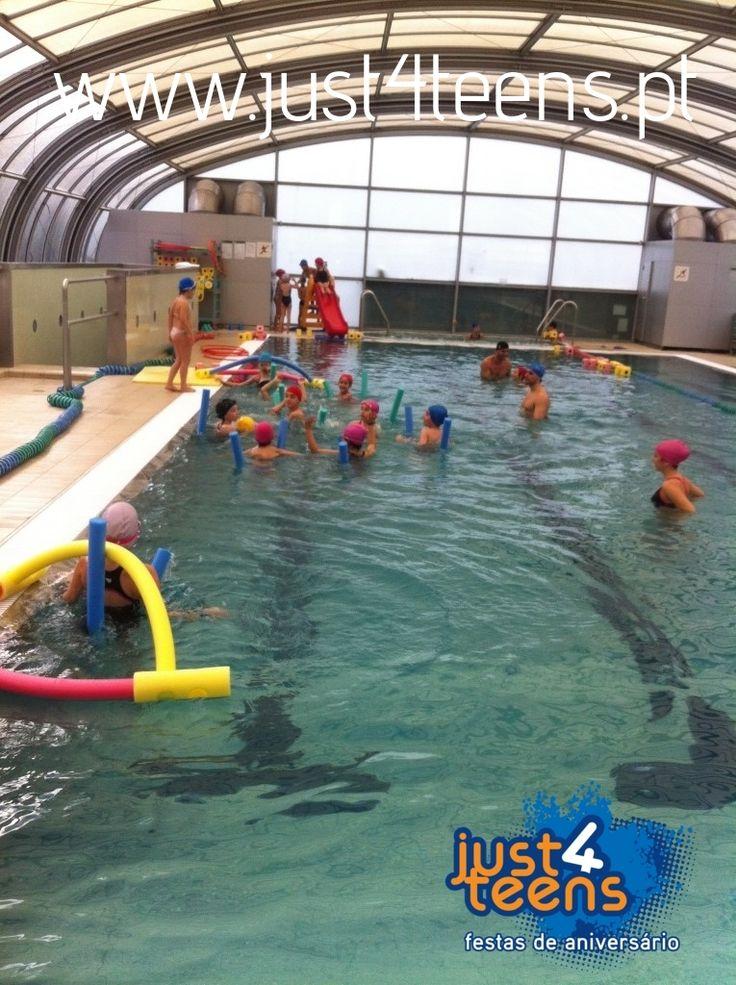 just4pool – festa de aniversário na piscina com jogos aquáticos e muita animação dentro de água. #festa #piscina #just4teens
