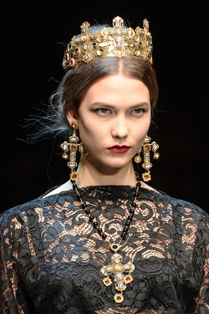 Dolce & Gabbana Fall 2013 Ready-to-Wear Collection Photos - Vogue