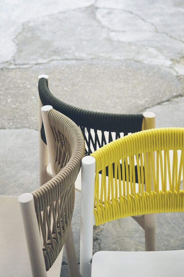 Chaise empilable en hêtre Collection Load by BILLIANI | design Emilio Nanni