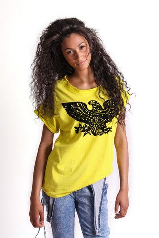 FLOCKED EAGLE GRAPHIC T-SHIRT R 275.00 - Round neckline - Rolled short sleeves - Velvet flocked eagle graphic on front
