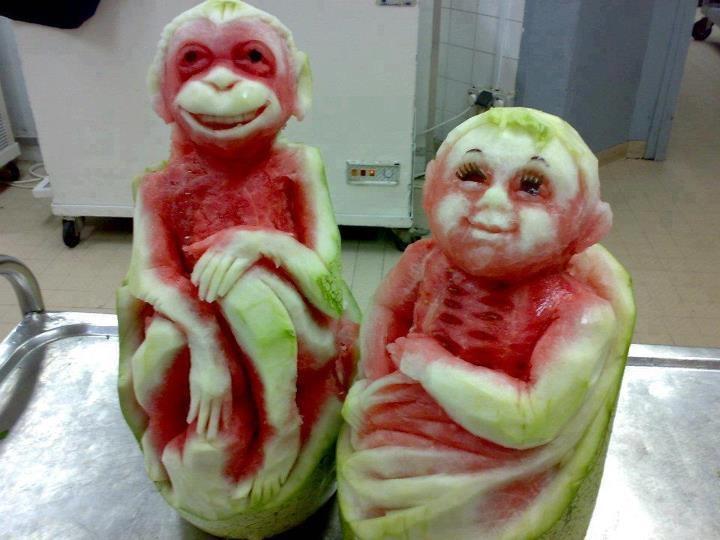 melonSculpture, Fruit, Funny Image, Monkeys, Watermelon Art, Watermelon Carvings, Food Art, Foodart, Sands Art