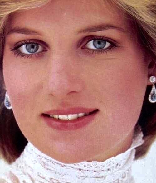 a biography of lady diana A new book by andrew morton, princess diana's biographer, paints the bride-to-be in a different light.