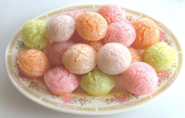 Steamed Rice Cake / Banh Bo Recipe (Vietnamese Food)