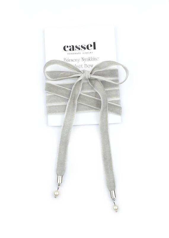 Grey Velvet Necklace. Velvet Bow Necklace. Velvet Choker. Grey choker. by casseljewelry #fashion #handmadejewelry #handmade #jewelry #unique #design #casseljewelry #fashionjewelry #jewelrydesign #etsy #ShopEtsy #EtsyFinds #EtsyForAll
