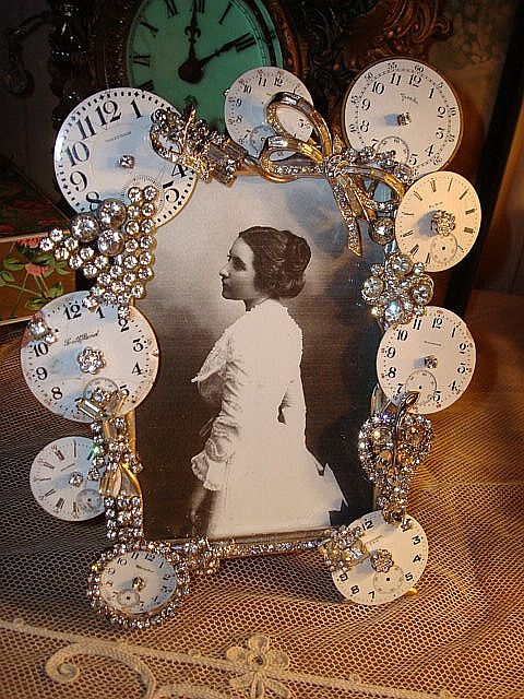 Watch Face Frame oh my…how cute! ♥
