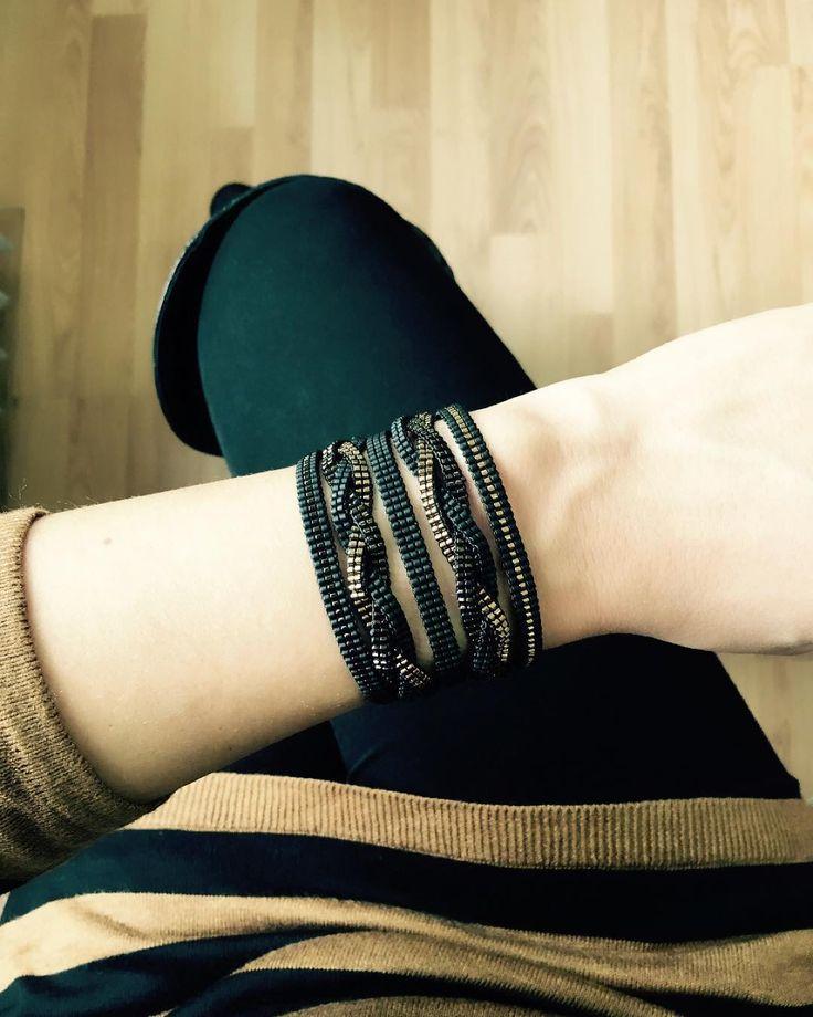 #insta #instalike #instamood #instagood #miyuki #miyukidelica #miyukidelicas #miyukidesign #miyukibracelet #miyukiaddict #bracelet #fashion #trend #handmade #instafashion #design #handmade #handmadejewelry #instalike #miyukibileklik #miyukitakı #bileklik #siyah #bakır #siyahbakır #moda #kombin #bugündeböyle #elyapımı #takı #elyapımıtakı