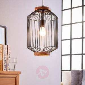 Ceris is one of those light sources which represent something special and definitely fit into an extraordinary interior design. This is because the lampshade is not that reminiscent of a classic lampshade, but instead evokes associations of a cage, especially a bird cage from earlier times.