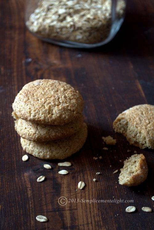 Biscotti con farina di riso,avena e mandorle