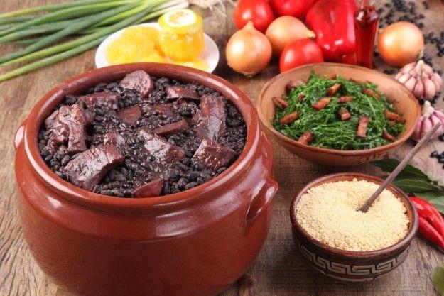 Feijoada de um PF a escolher na cidade.   10 coisas que todo mundo precisa comer antes de ser prefeito de São Paulo