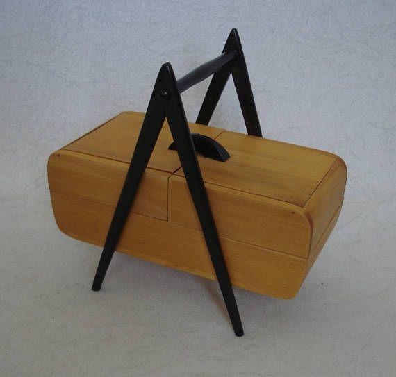 50s 60s caja de costura abedul y triángulo negro marco