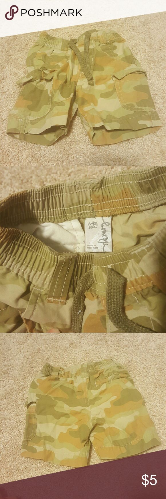 Old Navy Camouflage Shorts 6-12 months Old navy Camouflage shorts, stretch waist and drawstrings, 6 -12 months Old Navy Bottoms Shorts