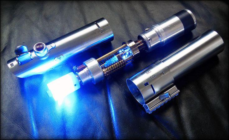 Luke Skywalker's reveal lightsaber from episode IV, by Slothfurnace.