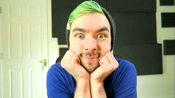 """Jacksepticeye is ready to be astonished in """"So Swaggy Reading Your Comments #74"""""""