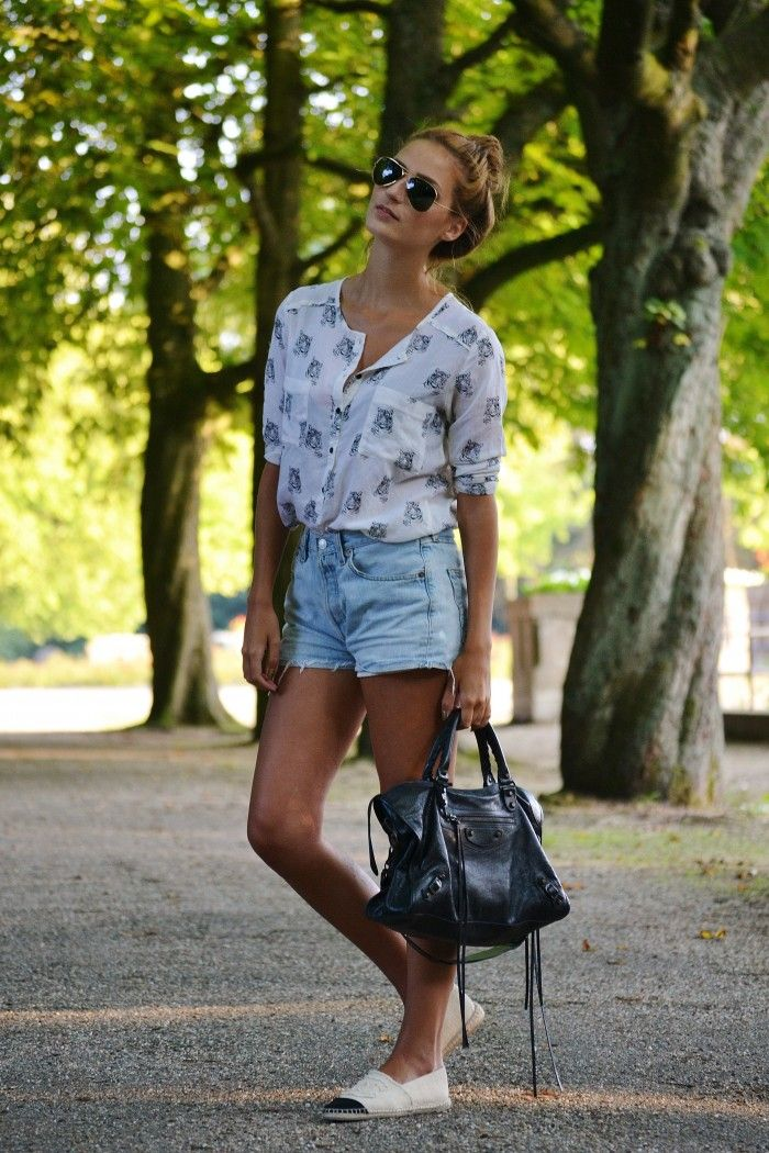 Balenciaga City Bag and Chanel Espadrilles couldn't get better for a classy casual outfit.