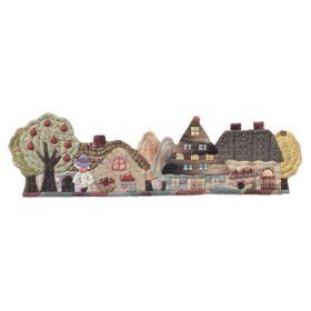 Set de costura por Reiko Kato, camino de mesa de casitas con recolección.  Incluye: Patrón (japones), telas, hilos y accesorios.  Los tonos de las telas pueden variar.