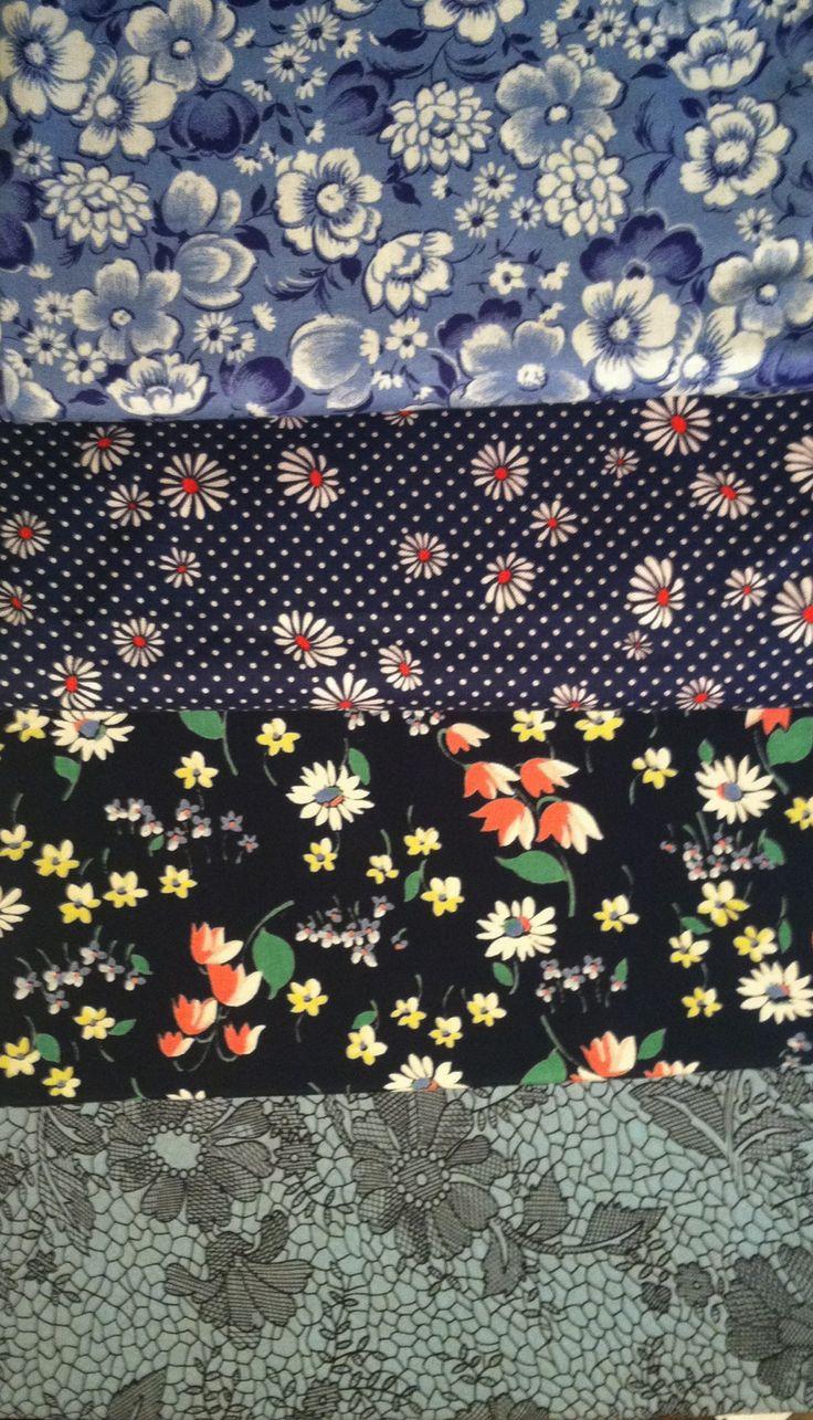 Love flower power daisy graffiti print cotton fabric 60s 70s retro - 1940 S Vintage Ditsy Print Cotton Fabric Yardage Quilting Calico 1940 S 50 S Rayon Fabric Yardages