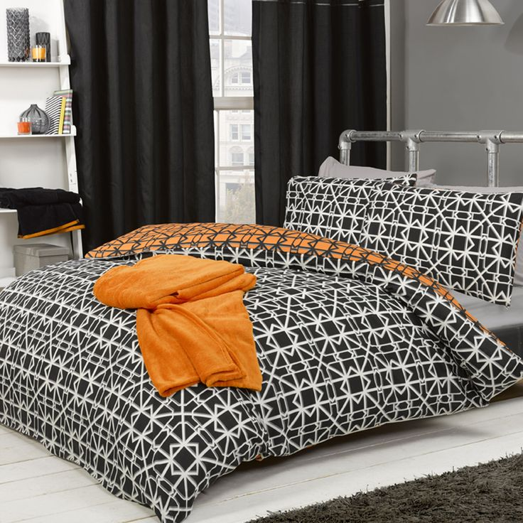This striking geometric design duvet is great value for money, perfect for students on a budget. The reversible print allows for two strong looks. Colour & Style Black Orange Product Features Reversible Single Bed Duvet Delivery: Standard item Please note: We endeavour to dispatch orders within 3-5 working days, however in some circumstances, including medium and large items, it can take up to 7-14 working days to be dispatched. Please refer to our delivery information for more details.