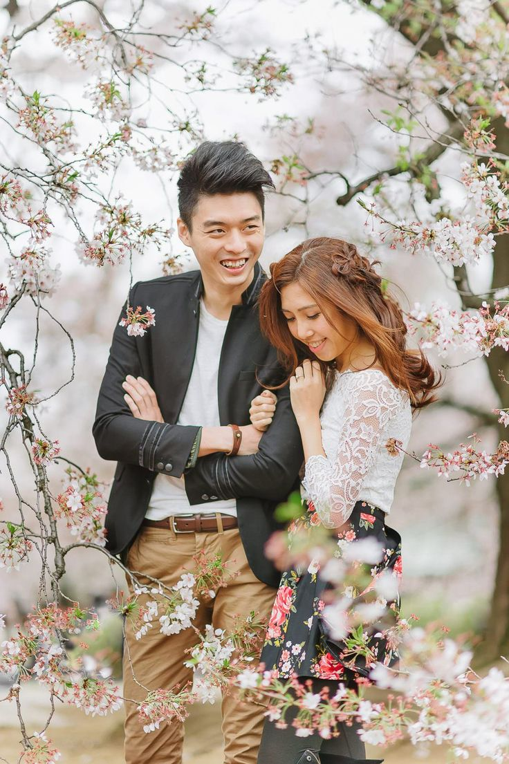 Photography: John 15 Photography #前撮り #tokyo #桜 #新宿御苑 #prewedding #東京 #shinjukugyoen #cherryblossoms