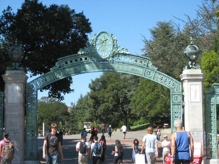 Tabara de limba engleza & viata de campus american la University of California Berkeley  Tabara internationala de vara de limba engleza se desfasoara in San Francisco este un oras ce merita sa fie descoperit in pas de plimbare, majoritatea obiectivelor turistice importante fiind aproape. Din 1988 pana acum, orasul a fost votat de 7 ori ca fiind cel mai placut din SUA. San Francisco Bay este cel mai mare port natural din lume.   Campusul University of California Berkeley (UC Berkeley) are 81…