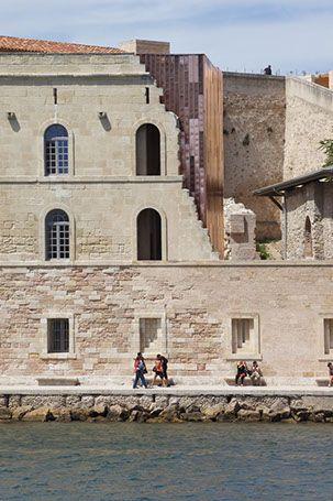 Vue de l'extension contemporaine du Fort Saint-Jean à Marseille, Carta associés architectes