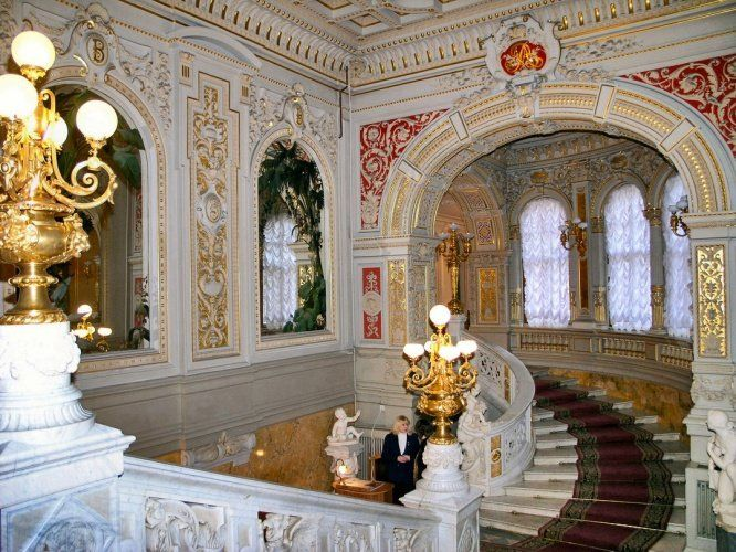 THE VLADIMIR PALACE - click through to look at all the interior pictures. Incredible that anybody could live this way.