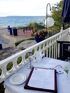 11 waterfront restaurants in Michigan