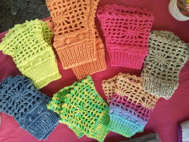 Manchettes ajourées en coton. Tricot et crochet.