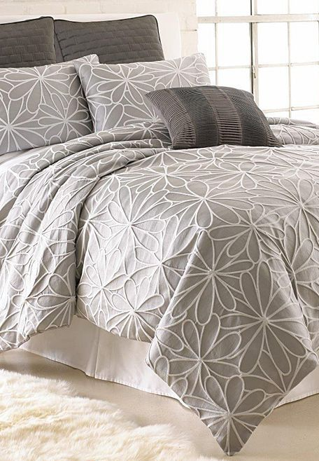 Colonial Home Textiles Gray Jacquard Kate forter Set