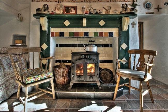 Irish country kitchen   Folk art   Irish cottage, English ...