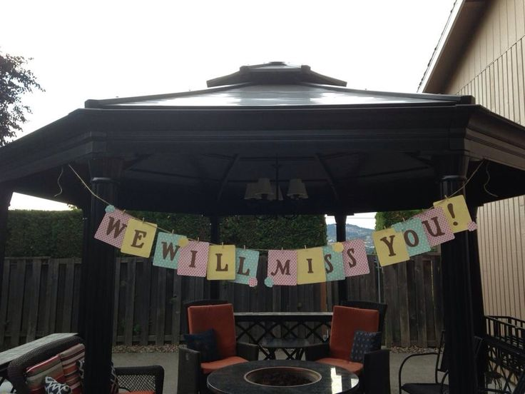 Moving away party decor