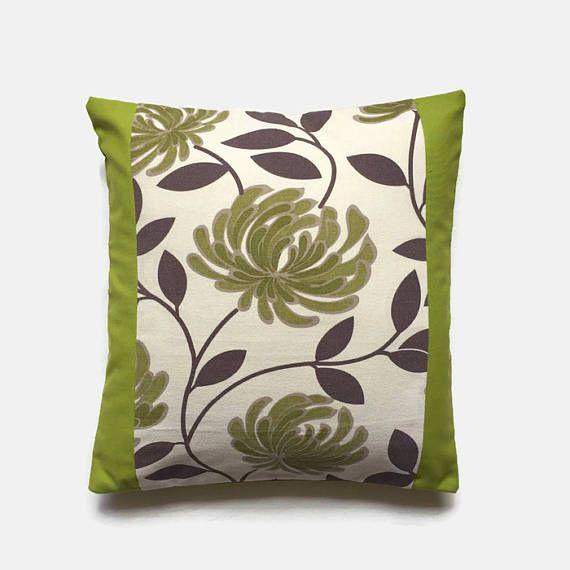 Retro della calce cuscino verde tessuto floreale verde