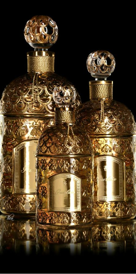 Glamorous women are infatuated by Guerlain perfume from Paris. These golden bottles are so chic! Ooh la la....