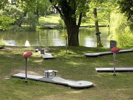 Luxury Sculpture Garden haus am waldsee