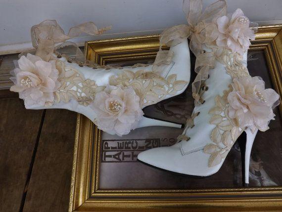 RISERVATO per Tiffany vittoriano sposa stivali Beige di Arabescque