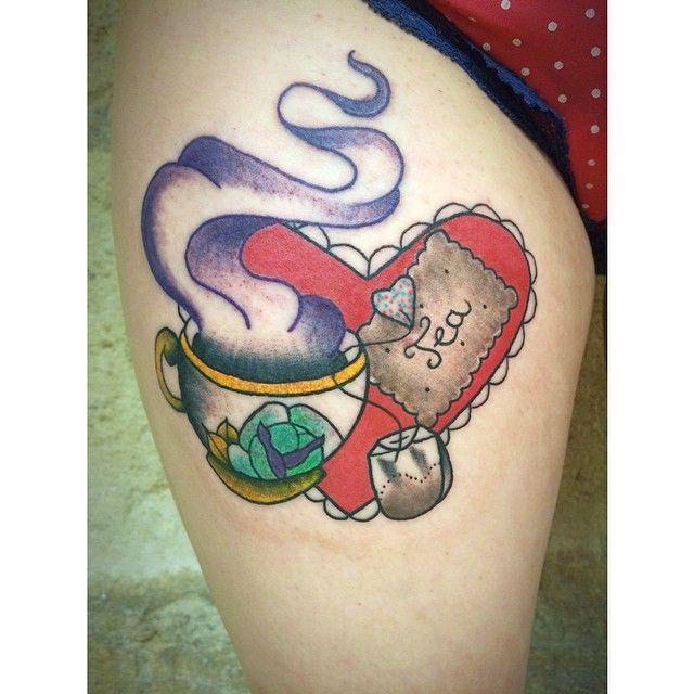 Merci beaucoup Elodie ! ❤️ c'est tout rouge mais l'idée est là... Thank you Elodie ! #tattoo #tatouage #apprentice #tattooist #tattooapprentice #girly #girlwithtattoos #girlswithtattoos #tea #cupoftea #cute #cutetattoo #heart #love #tealover #jackytatouages #bordeaux #bordeauxmaville #france #fatlinetattooclub #igersbordeaux