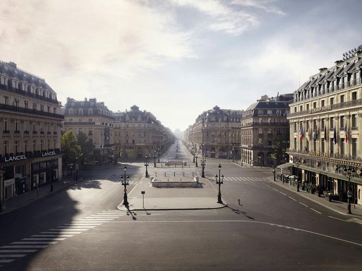 "Place de l'Opera, C-print, 250x320cm, 2009 ""Silent world"" Lucie and Simon"
