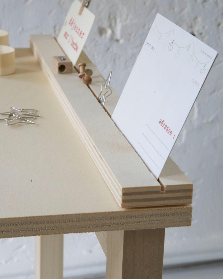 Porte photos-dessins-mots doux-messages http://www.lespetitesemplettes.com/papeterie-bureau/327-option-petit-bureau.html