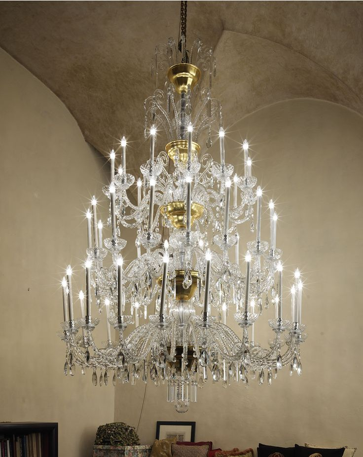 One of our favorite: a 48 lights crystal chandelier Ref. 170/48 (H. 270 cm. just for very high ceilings)