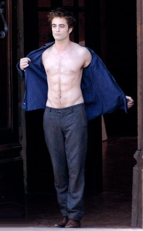 Robert Pattinson in Twilight: New Moon  --hottness<3