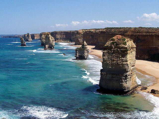 The Twelve Apostles (Australia)  Photo by: M. Kuhn