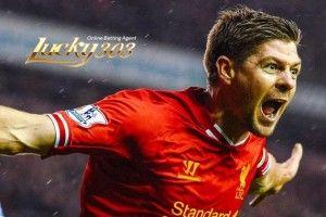 Steven Gerrard Masih Belum Berakhir – Liverpool, Inggris – Kapten Liverpool, Steven Gerrard baru-baru ini menegaskan bahwa dirinya masih mampu bersaing dengan pemain terbaik di dunia. Pernyataan tersebut, sebagai bentuk jawaban atas sejumlah kritik tajam yang mengarah terhadap pemain berusai 34 tahun itu.