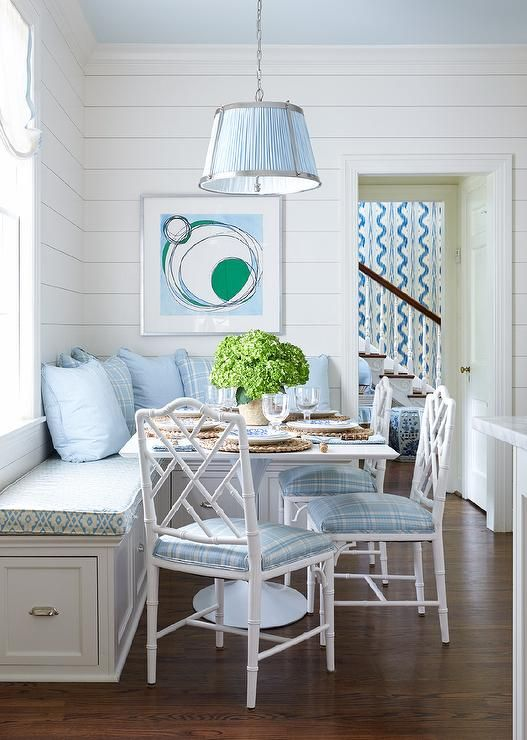 Blue and white breakfast room