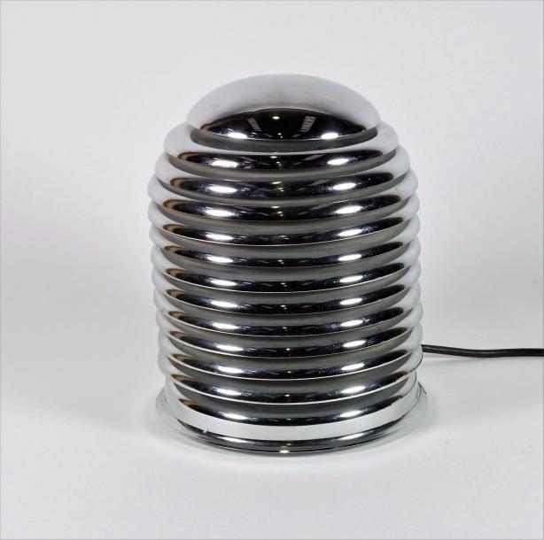 """Kazuo MOTOZAWA (1945) Lampe à poser modèle """"Saturno"""" en lamelles de métal chromé. H 23 cm. - Yann Le Mouel - 26/04/2017"""