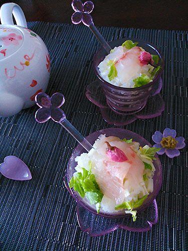 ピンクでキュートな鯛茶漬け。さらりといただけて、飲んだ後の〆やおもてなしにもピッタリです。 http://www.recipe-blog.jp/profile/84505/blog/14126772