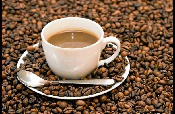 Además del placer que proporciona una tasa de café, su asocio positivo al deporte de la más importancia.