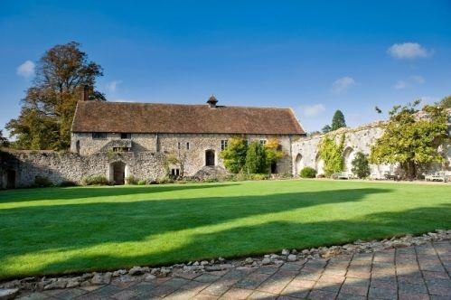 Leith's at Beaulieu is a perfect wedding venue in Brockenhurst, Hampshire, South East England #weddingvenuehampshire