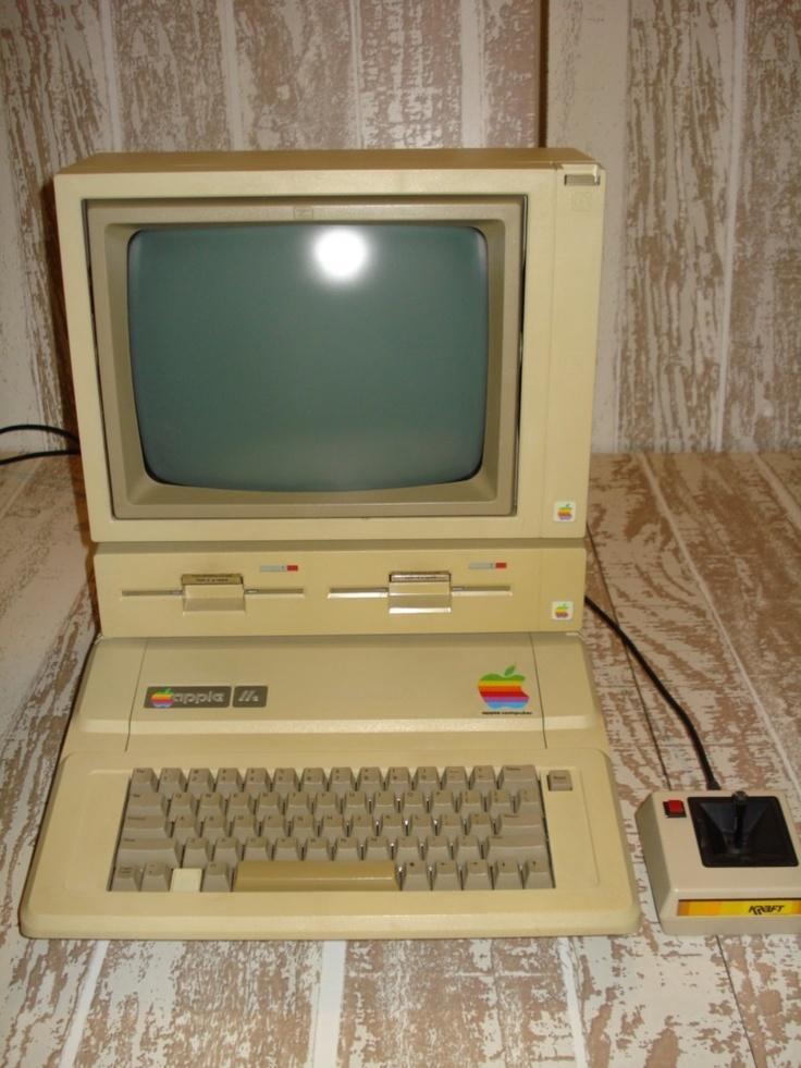 Apple IIe Computer.